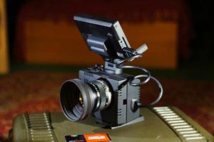 La Sony NEX-5N si veste per le riprese con il Cinema Housing