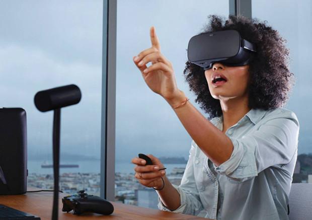 Oculus Rift + Touch costano 200 dollari in meno