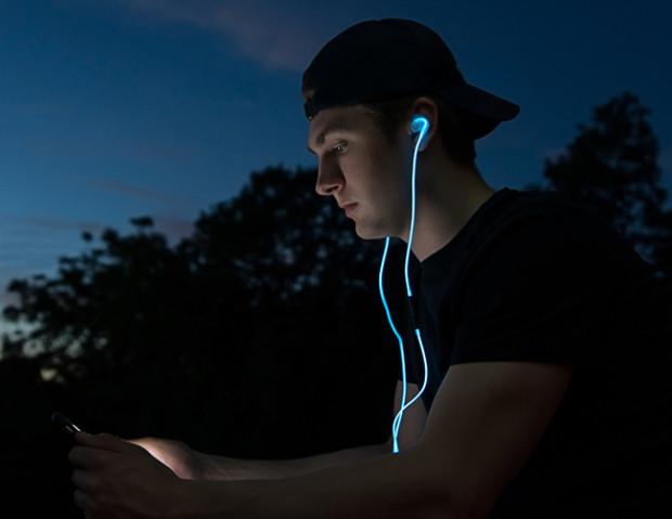 Spark Headphones: luminose e sicure