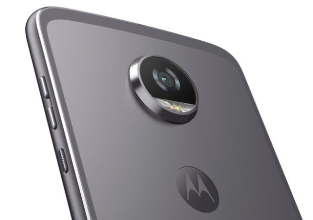 Motorola + Lenovo = Moto Z2 Play, il phone davvero smart