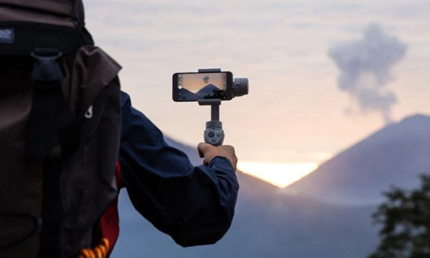 DJI stabilizza smartphone e fotocamere con Osmo Mobile 2 e Ronin-S