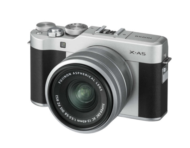Fujifilm X-A5, la mirrorless entry-level tuttofare