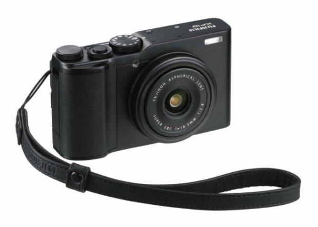 Arriva Fujifilm XF10, con sensore APS-C e ottica fissa