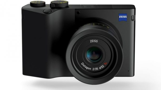 Zeiss ZX1, compatta Full Frame con Lightroom