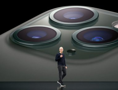 Tim Cook iPhone 11