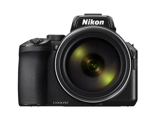 Nikon Coolpix P950, zoom 83x e 4K