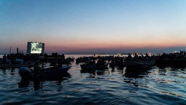 Acque Sconosciute, il Cinema Galleggiante a Venezia